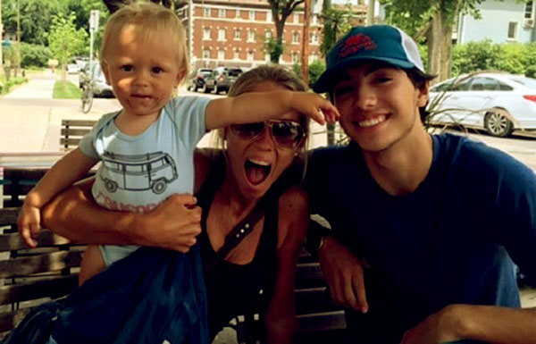 Image of Nicole Curtis with her kids